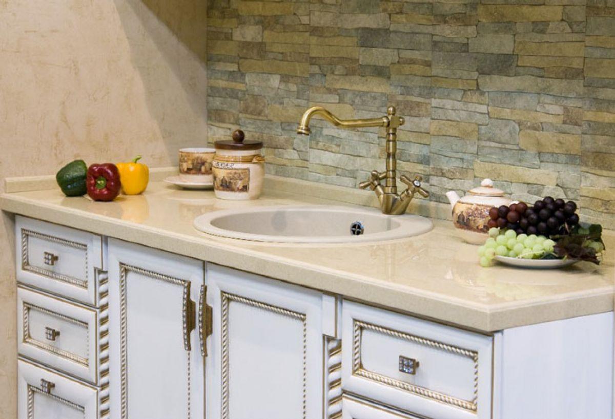 Декоративная плитка на кухне фото